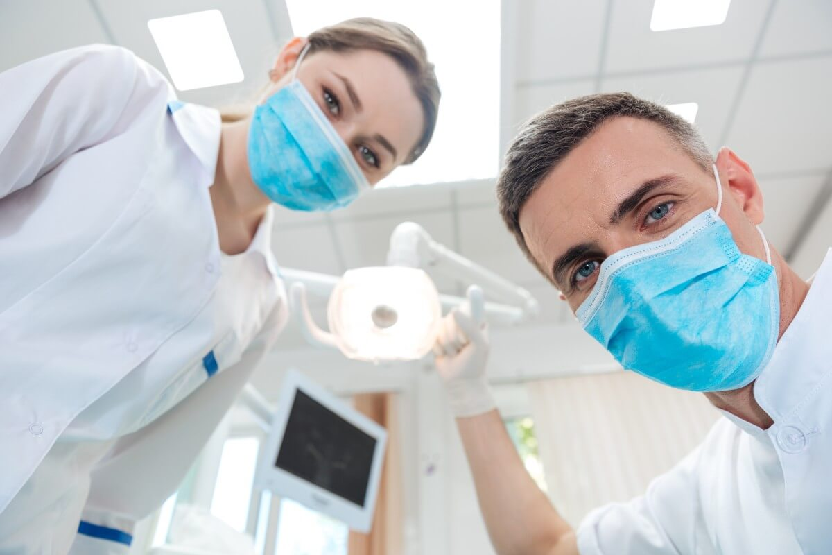 pros and cons of dental implants